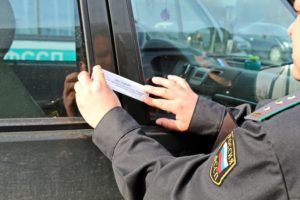 Арест машины судебными приставами