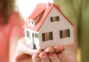 Многодетные семьи смогут получить компенсацию за землю деньгами или квартирой